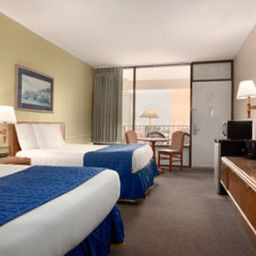 DAYS_INN_AT_THE_BEACH-Virginia_Beach-Room-5-134638.jpg