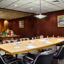 DAYS_INN_NIAGARA_AT_THE_FALLS-Niagara_Falls-Conference_room-5-134750.jpg