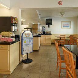 HOJO_SAN_DIEGO_HOTEL_CIRCLE-San_Diego-Aussenansicht-2-138508.jpg