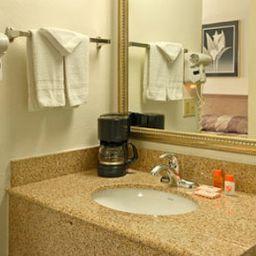 HOJO_SAN_DIEGO_HOTEL_CIRCLE-San_Diego-Standardzimmer-3-138508.jpg