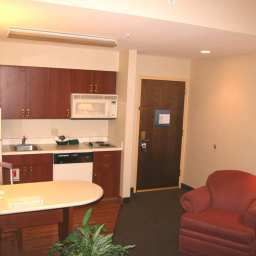 Hampton_Inn_Suites_Newtown-Morrisville-Hotel_bar-1-138922.jpg
