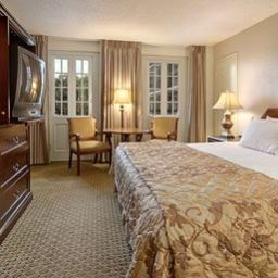Four_Points_by_Sheraton_French_Quarter-New_Orleans-Room-7-141429.jpg