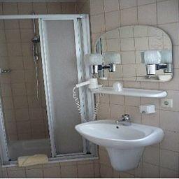 Koenig_Humbert_Garni-Erlangen-Bathroom-1-142736.jpg