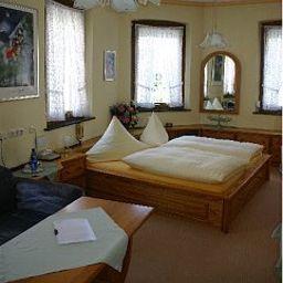 Koenig_Humbert_Garni-Erlangen-Room-1-142736.jpg