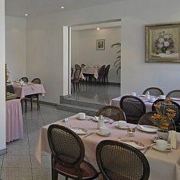 Pflieger_Nebengebaeude-Stuttgart-Breakfast_room-142771.jpg