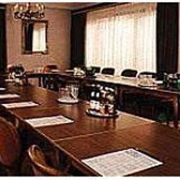 Pflieger_Nebengebaeude-Stuttgart-Conference_room-142771.jpg