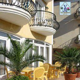 Villa_Mediterran-Heviz-Exterior_view-7-142809.jpg