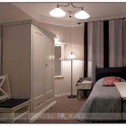 Royal-Poznan-Single_room_standard-2-142842.jpg