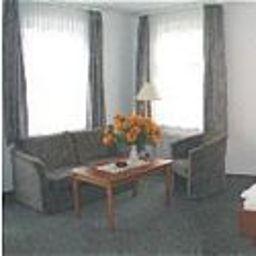 Greene_Landhaus-Kreiensen-Room-143064.jpg