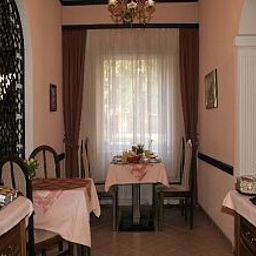 Kreiner-Vienna-Breakfast_room-1-143334.jpg