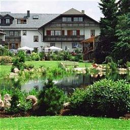 Gartenhotel_Hunsruecker_Fass-Kempfeld-Aussenansicht-1-143411.jpg