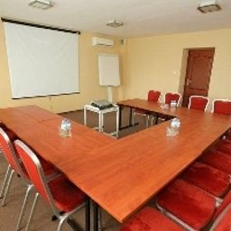 Ostaniec-Kroczyce-Meeting_room-1-143647.jpg