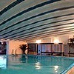 Tannenhof_Landhotel-Schoefweg-Langfurth-Pool-144032.jpg