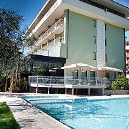 Gabry-Riva_del_Garda-Pool-4-144698.jpg