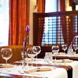 Qubus-Gliwice-Restaurant-5-144850.jpg