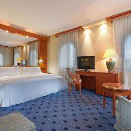 Suite TRYP Sevilla Macarena Hotel