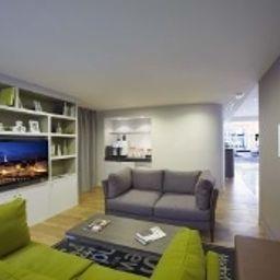 Citadines_Prestige_Les_Halles_Paris_Les_Halles-Paris-TV_room-145106.jpg
