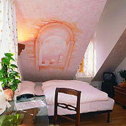 Romantico-Burgwedel-Standardzimmer-3-145236.jpg