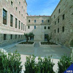 Palacio_de_San_Esteban-Salamanca-Exterior_view-1-145431.jpg