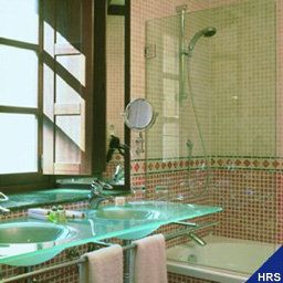 Palacio_de_San_Esteban-Salamanca-Bathroom-145431.jpg