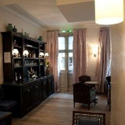 Royal_Magda_Etoile-Paris-Interior_view-6-145499.jpg
