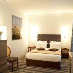 Royal_Magda_Etoile-Paris-Standard_room-7-145499.jpg