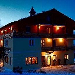 Mooshuette_Berghotel-Lohberg-Aussenansicht-3-145715.jpg