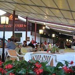 Melis_Panzio_es_Etterem-Balatonlelle-Restaurant-3-146002.jpg