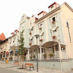 Erzsebet-Heviz-Exterior_view-2-146014.jpg