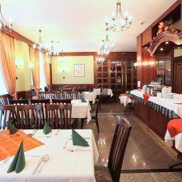 Erzsebet-Heviz-Restaurant-1-146014.jpg