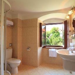 Questenberk_Prague_Castle-Prague-Bathroom-1-146144.jpg