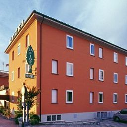 La_Pioppa-Bologna-Exterior_view-1-146302.jpg