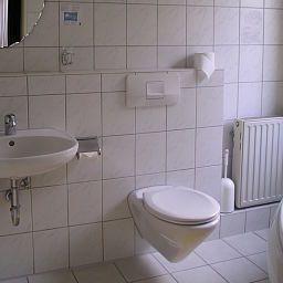 Knorz-Zirndorf-Bathroom-2-147036.jpg