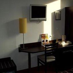 Balladins_Superior_Gennevilliers-Gennevilliers-Room-2-151165.jpg