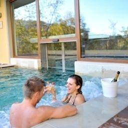 Miramonti_Resort_Spa-Rota_dImagna-Pool-1-153127.jpg