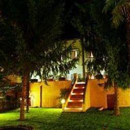 Cavaliere_Palace_Hotel-Spoleto-Garden-153213.jpg