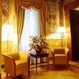 Lobby Cavaliere Palace Hotel