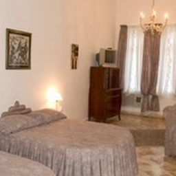 Cavaliere_Palace_Hotel-Spoleto-Room-2-153213.jpg