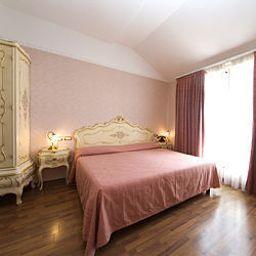 President-Rimini-Room-2-153438.jpg