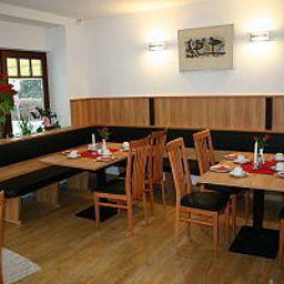 Accolo-Feldkirchen-Breakfast_room-2-153571.jpg