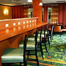Fairfield_Inn_Suites_Cleveland_Avon-Avon-Restaurant-5-158168.jpg