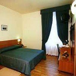 Room Hotel 2000