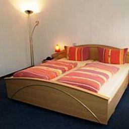 Haus_Bastian-Coblenz-Room-5-162923.jpg