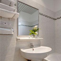 Lausanne_Nice_Centre-Nice-Bathroom-163485.jpg