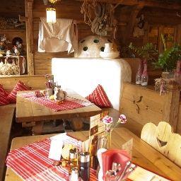 Almwirt-Haar-Restaurantbreakfast_room-2-168101.jpg