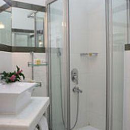 Celal_Sultan-Istanbul-Bathroom-168552.jpg