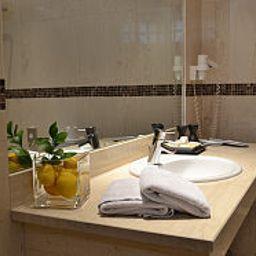 Davitel_Tobacco_Hotel-Thessalonika-Bathroom-169540.jpg