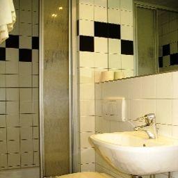 Fritz_Matauschek_Hotel_Restaurant-Vienna-Bathroom-2-179022.jpg