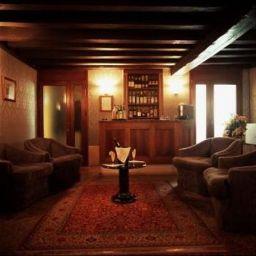 Hotel bar Pausania