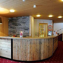 Schuetzen_Hotel_Restaurant-Lauterbrunnen-Reception-1-185235.jpg